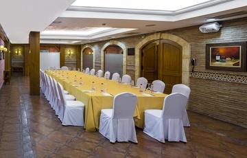 Salón Bodega Reunión Hotel Nuevo Torreluz