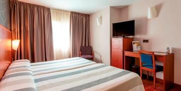 CAMERA DOPPIA CON PARCHEGGIO Hotel Nuevo Torreluz
