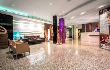Reception Hotel Nuevo Torreluz