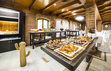 Detalle Desayuno Buffet Hotel Nuevo Torreluz
